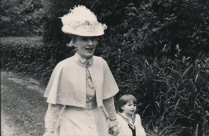 JanetStoneand Daisy Gili  May 1977 LC copy